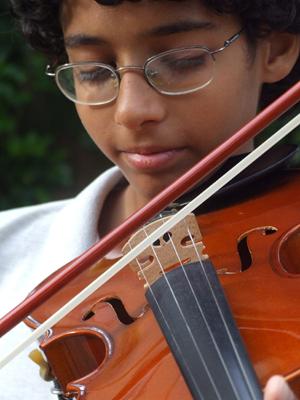 violin boy_resize